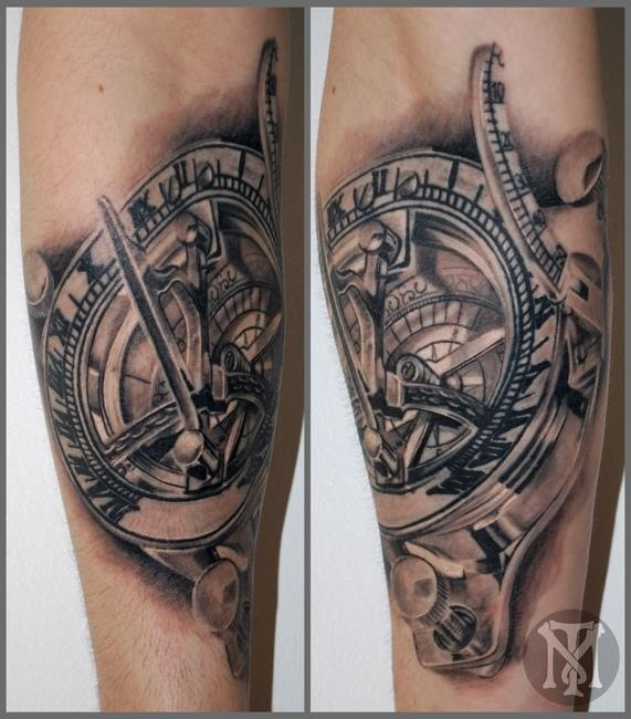 sun dial tattoos pictures to pin on pinterest tattooskid. Black Bedroom Furniture Sets. Home Design Ideas